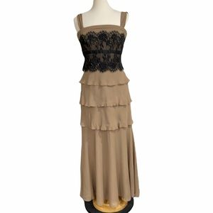 Tadashi Collection tiered silk ruffle maxi dress with black lace bust SZ 10